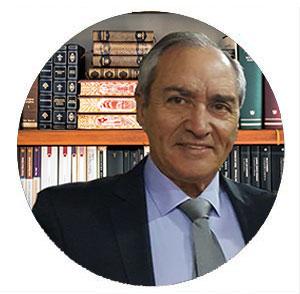 especialista en Derecho Penal y Civil